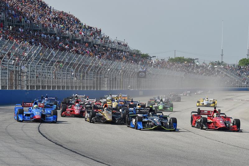 Départ : Josef Newgarden, CFH Racing Chevrolet mène