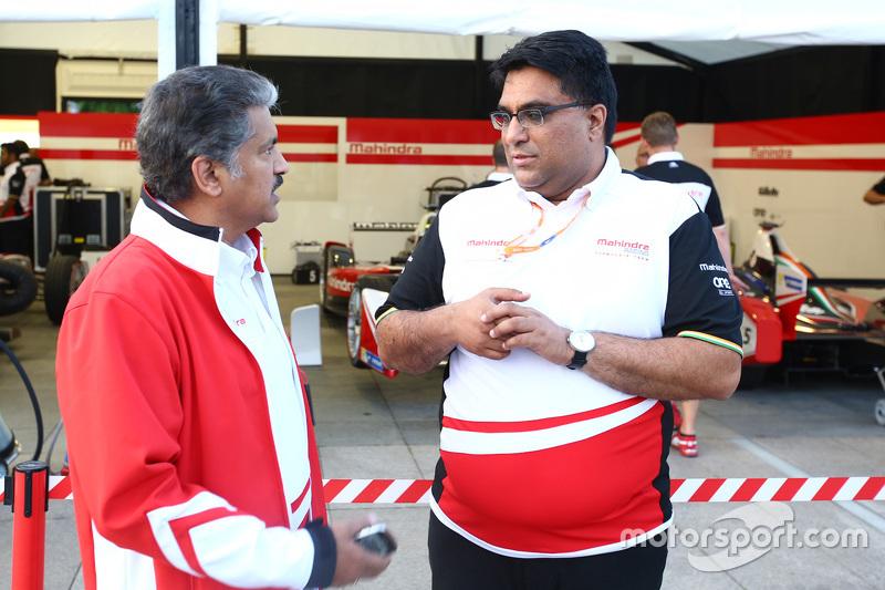 Dilbagh Gill, Team Principal della Mahindra Racing con Anand Mahindra