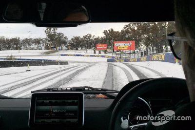 De la neige à Mount Panorama
