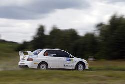 Инесса Тушканова и Кристен Лаос, Mitsubishi Lancer Evo IX