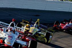Juan Pablo Montoya, Team Penske Chevrolet and Marco Andretti, Andretti Autosport Honda and Graham Ra