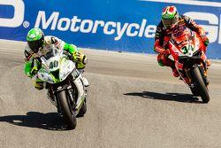 Roman Ramos, Team Go Eleven Kawasaki y Davide Giugliano, Ducati Team