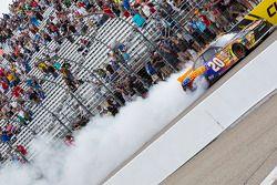 Il vincitore: Denny Hamlin, Joe Gibbs Racing Toyota