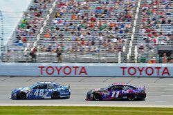 Jimmie Johnson, Hendrick Motorsports Chevrolet y Denny Hamlin, Joe Gibbs Racing Toyota