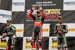 Podium: Ganador de la carrera, Chaz Davies, Ducati Team, segundo lugar, Tom Sykes, Kawasaki Racing,