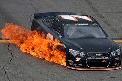 Alex Bowman, Tommy Baldwin Racing Chevrolet pegando fogo
