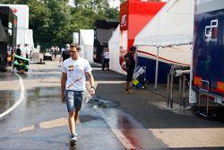 Alex Palou, Campos Racing, dans le paddock