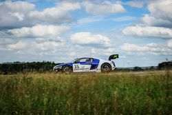 #35 Sainteloc Racing Audi R8 LMS Ultra : Edward Sandström, Marc Basseng, Grégory Guilvert