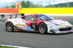 #41 Sport Garage Ferrari 458 Italia: Enzo Guibbert, Gilles Vannelet, Arno Santamato