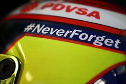 The helmet of Pastor Maldonado, Lotus F1 Team with a tribute to Jules Bianchi