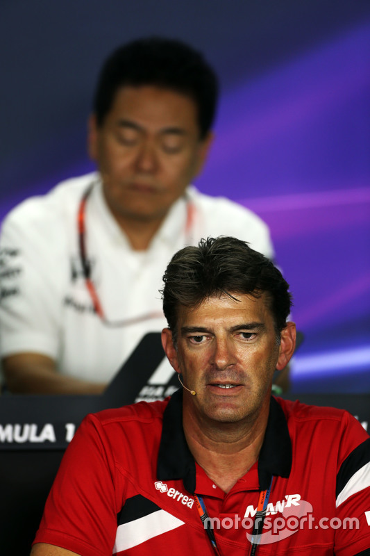 Graeme Lowdon, Manor F1 Team CEO in de FIA persconferentie