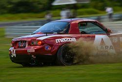 #34 Alara Racing Mazda MX-5: Christian Szymczak, Justin Piscitell spins