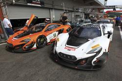 McLarens в закритому парку