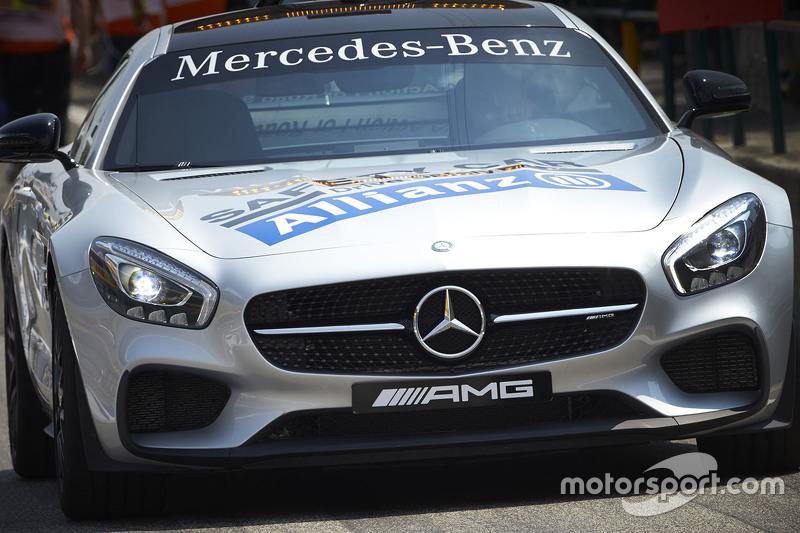 Mercedes машина безпеки