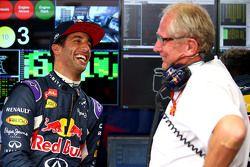 Daniel Ricciardo, Red Bull Racing mit Dr. Helmut Marko