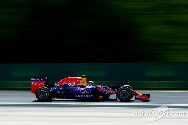2015 год. За рулем болида Red Bull RB11 в пятничной тренировке
