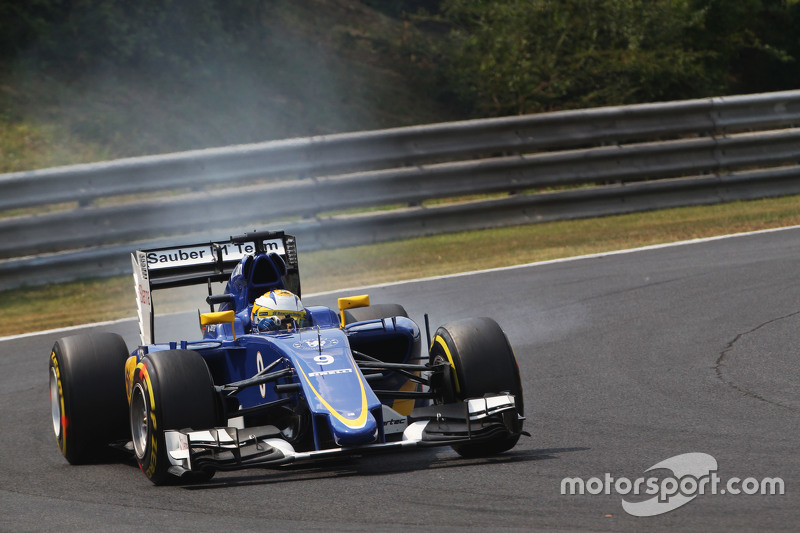 Marcus Ericsson, Sauber C34 locks up under braking