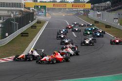 Luca Ghiotto, Trident, leads Emil Bernstorff, Arden International ad Esteban Ocon, ART Grand Prix at