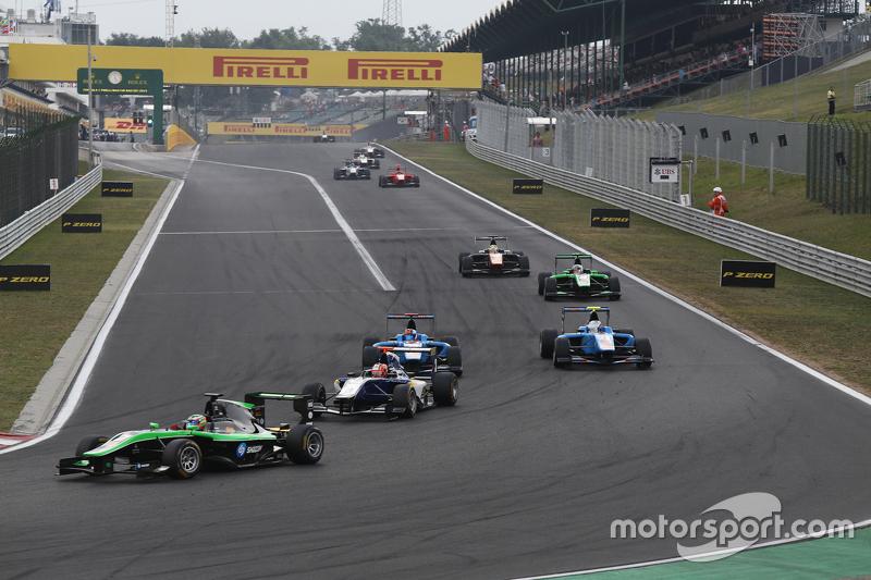 Seb Morris, Status Grand Prix memimpin Mitchell Gilbert, Carlin