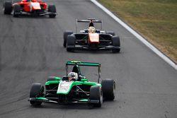 Alex Fontana, Status Grand Prix leads Artur Janosz, Trident