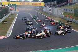Старт: Пьер Гасли, DAMS опережает Артура Пика, Campos Racing, в споре за второе место
