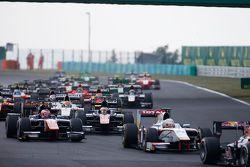 Stoffel Vandoorne, ART Grand Prix & Rio Haryanto, Campos Racing, yarışın başlangıcında