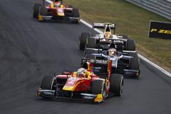 Джордан Кінг, Racing Engineering лідирує Мітч Еванс, RUSSIAN TIME & Ріо Нарьянто, Campos Racing