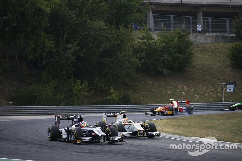 Мітч Еванс, RUSSIAN TIME лідирує  Ріо Нарьянто, Campos Racing