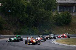 Alexander Rossi, Racing Engineering leads Richie Stanaway, Status Grand Prix & Nicholas Latifi, MP Motorsport