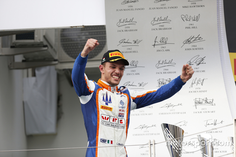 Juara balapan Luca Ghiotto, Trident merayakans his win