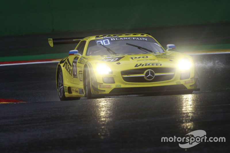 Mercedes SLS AMG GT3 команды GT Russian Team: Алексей Карачев, Кристоф Бушю