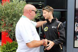 Philippe Bianchi, pai de Jules Bianchi, com Romain Grosjean, Lotus F1 Team