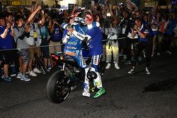 Ganadores de la carrera #21 Yamaha: Katsuyuki Nakasuga, Pol Espargaró, Bradley Smith