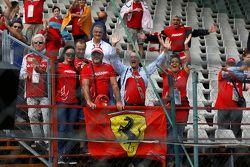 Les fans d'Antonio Fuoco, Carlin