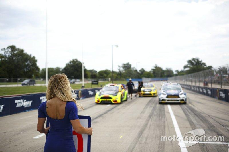 Pre-race action