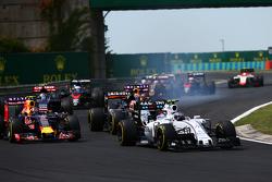 Валттери Боттас, Williams FW37, на старте гонки