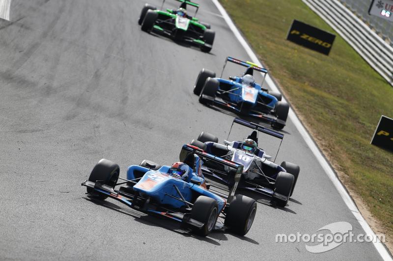 Ralph Boschung, Jenzer Motorsport memimpin Adderly Fong, Koiranen GP