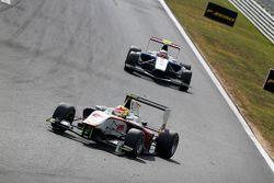 Alex Palou, Campos Racing devant Jann Mardenborough, Carlin