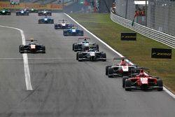 Emil Bernstorff, Arden International leads Esteban Ocon, ART Grand Prix & Jimmy Eriksson, Koiranen G