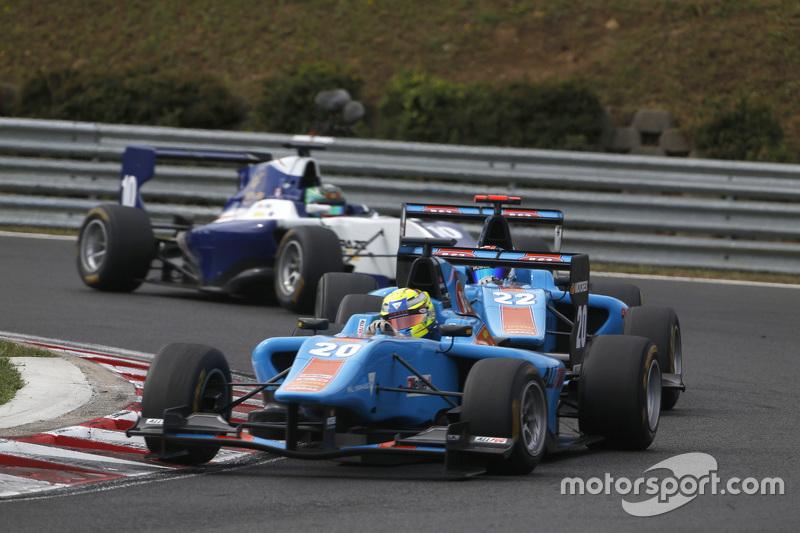 Pal Varhaug, Jenzer Motorsport memimpin Ralph Boschung, Jenzer Motorsport & Adderly Fong, Koiranen GP