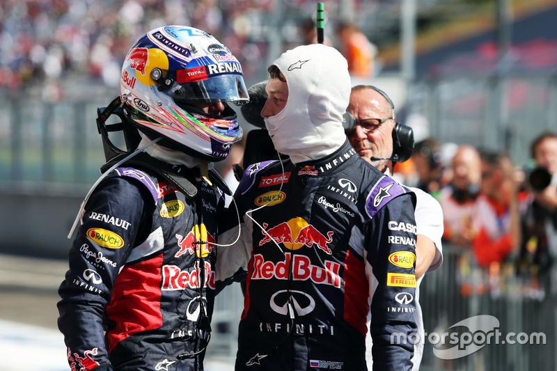 …но впереди Риккардо, который в том сезоне вроде бы считался лидером Red Bull Racing