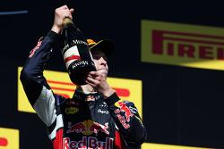 Daniil Kvyat, Red Bull Racing, celebra