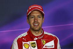 Sebastian Vettel, Ferrari, en la conferencia de prensa de la FIA
