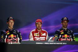 Conferencia de prensa de la FIA: Daniil Kvyat, Red Bull Racing, segundo; Sebastian Vettel, Ferrari,