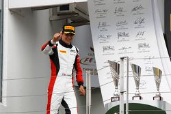 İkinci Esteban Ocon, ART Grand Prix