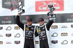 Para juara balapan #52 PR1 Mathiasen Motorsports Oreca FLM09: Mike Guasch, Tom Kimber-Smith