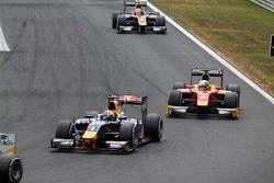 Pierre Gasly, DAMS leads Jordan King, Racing Engineering