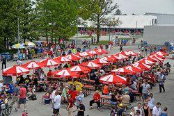 Indianapolis Motor Yarış Pisti yakınlarında atmosfer