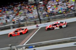 Джастин Алгайер, HScott Motorsports Chevrolet и Остин Диллон, Richard Childress Racing Chevrolet