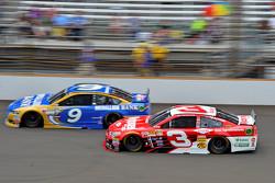 Sam Hornish Jr., Richard Petty Motorsports Ford y Austin Dillon, Richard Childress Racing Chevrolet